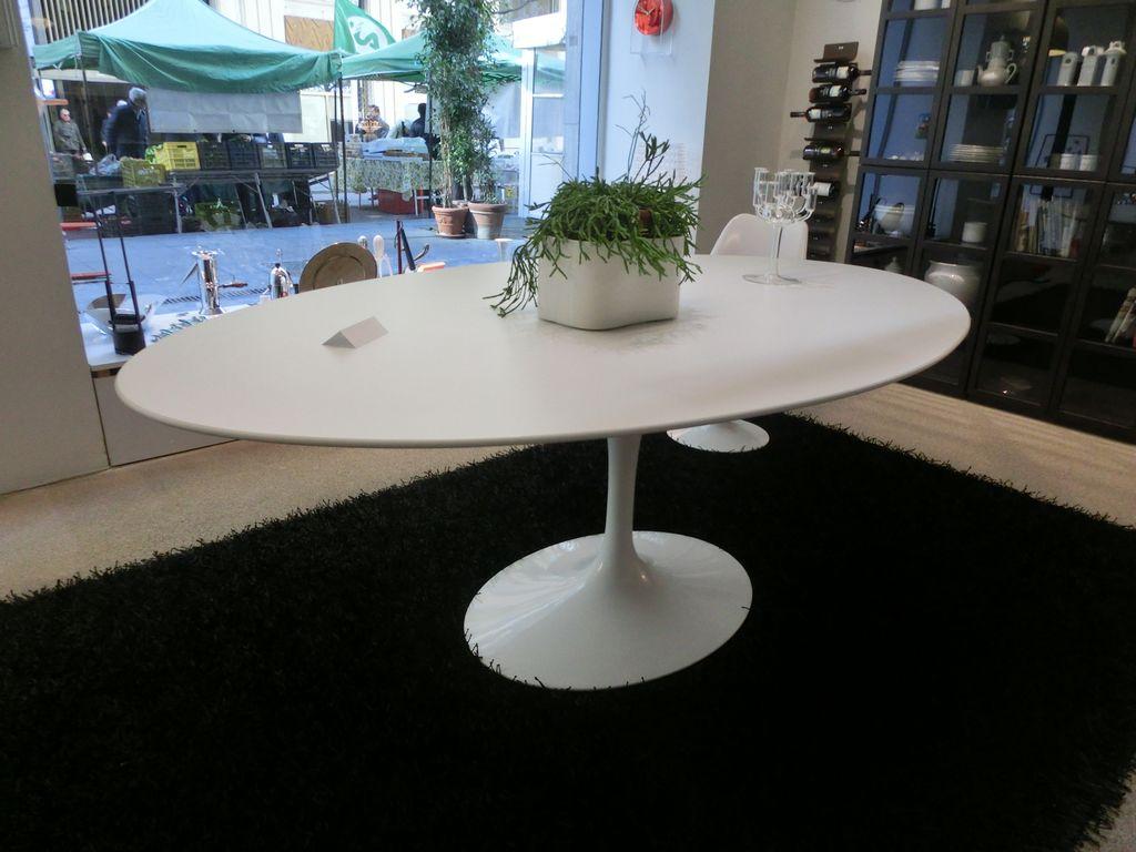 Tavolo ovale SAARINEN 198x121- Knoll