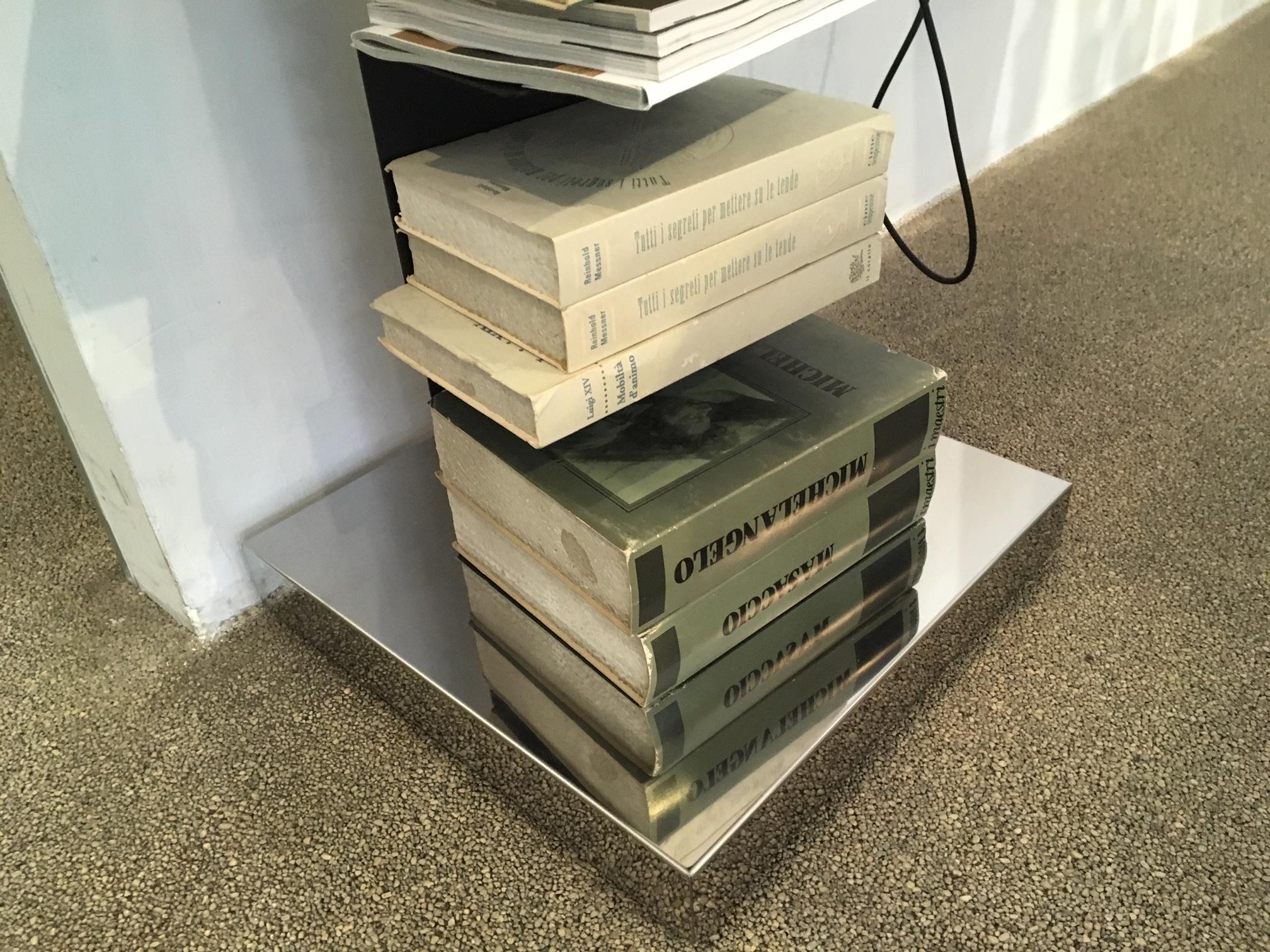 Libreria a parete 25 52 ktiptonite ferrari arredamenti for Ferrari arredamenti battuello
